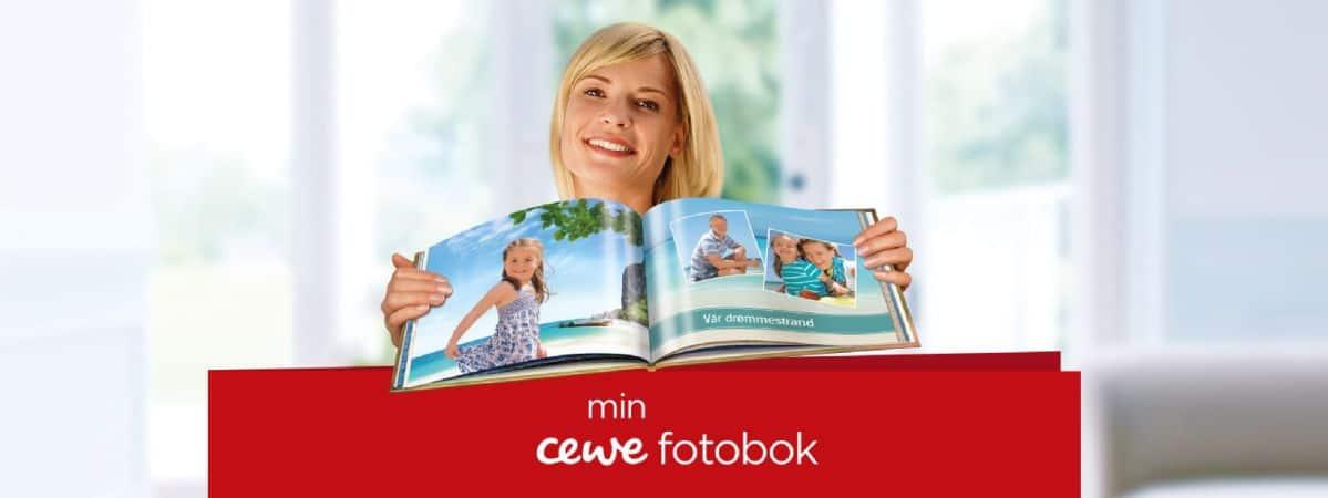 CEWE bilde - dame holder et fotoalbum